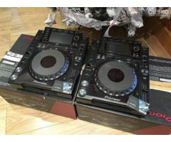 Pioneer CDJ-2000NXS2 Pro-DJ Multi Player Regular..$2000 USD